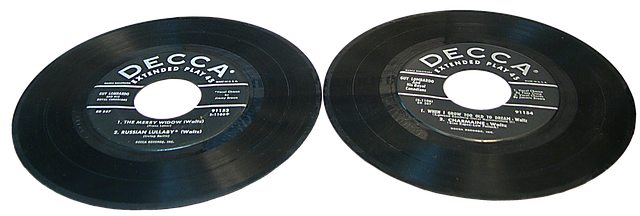 records-1069141_640